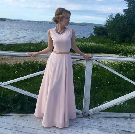 Фото. Розовое платье в пол.