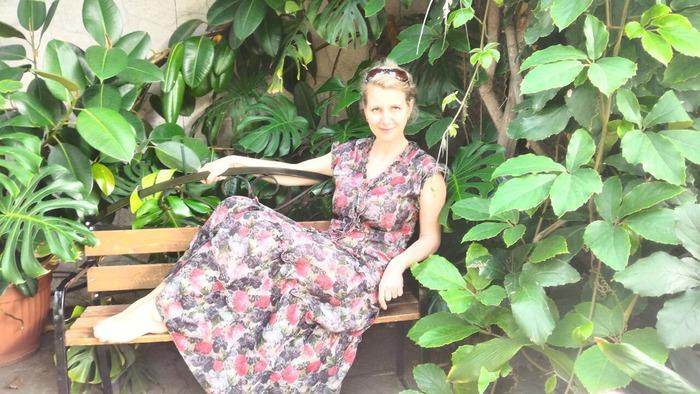 Фото. И еще летнее платье. В любимой оранжерее.