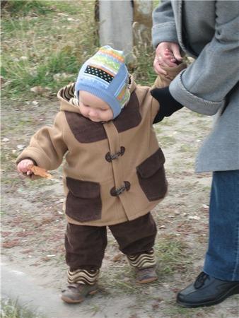 Фото. Дафлкот любят даже самые юные модники. Модель из журнала Burda. Автор работы - Киця