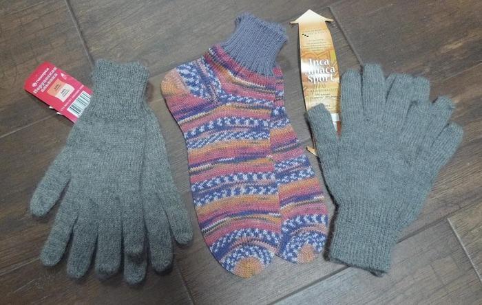Фото. Перчатки и носочки, машинное вязание. Автор работы - Екатерина125
