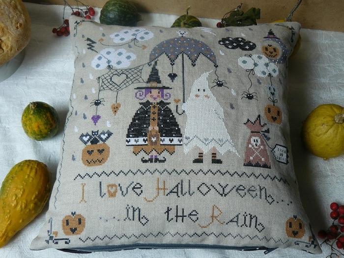 "Фото. Подушка. Дизайн от Cuore e Batticuore ""Halloween in the rain"". Автор работы - RaNata"