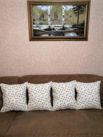 Фото. Диванные подушки.  Автор работы - Марина З.