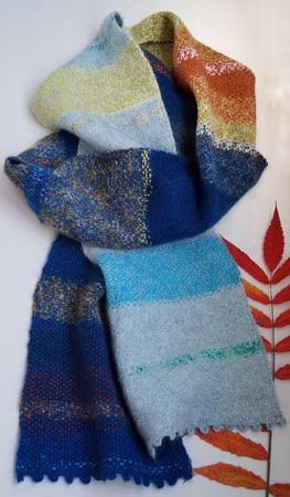 Фото. Тканый шарф из остатков пряжи.  Автор работы - Svibel