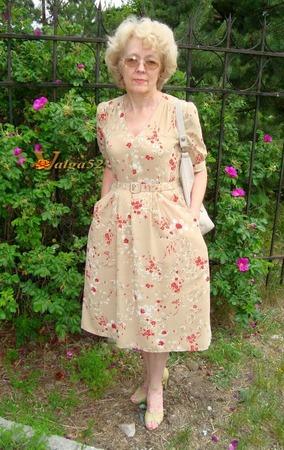 Фото. Очень хотелось платье из молодости моей мамы. Какая же она была молодая и красивая в таких платьях!