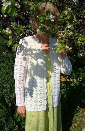 """Фото. Кардиган """"Яблони в цвету"""". Когда сошлось всё воедино - пряжа, цвет, узор, в голове зазвучала песня """"Яблони в цвету..."""". 2 место в конкурсе """"Блики лета"""" ."""
