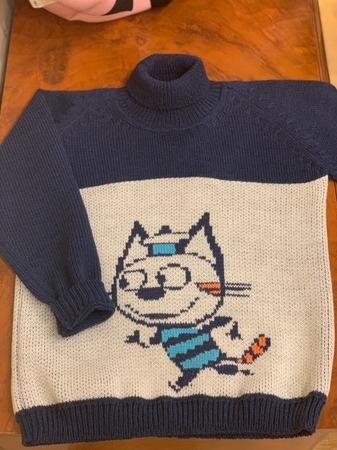 Фото. Детский свитер с вышивкой.  Автор работы - И_рина