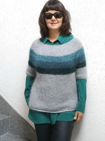 Фото. Пуловер из моточков. Автор работы - Virina1