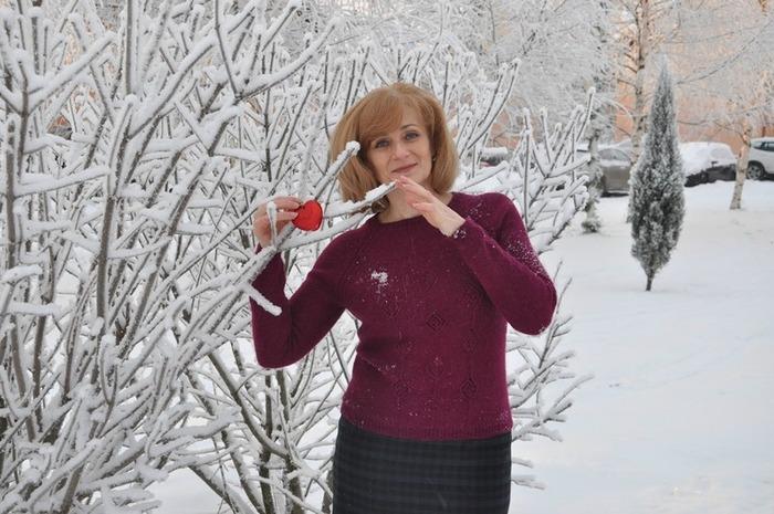 Фото. Пуловер из журнала The Knitter 78 Averil. А зимние пейзажи очень вдохновляют на фотосессию.