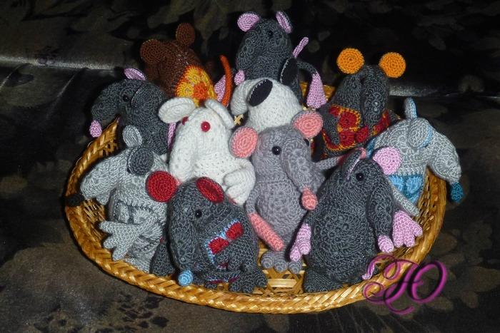 Фото. К Новому году готовы! Корзинка и крысками. Автор работы - Corviny