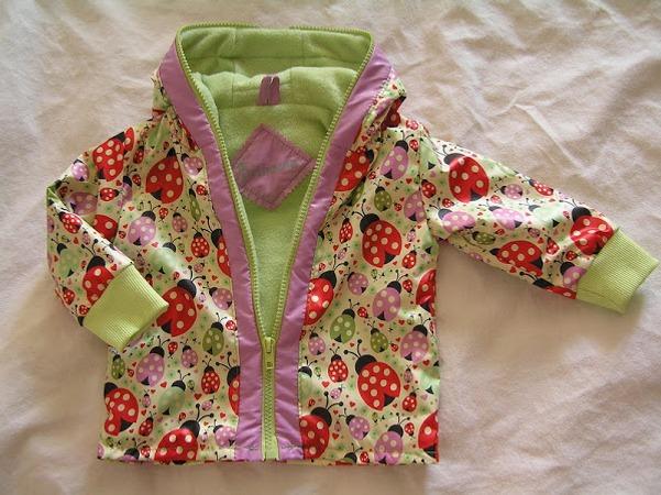 Фото. Трикотажная курточка для малышки..