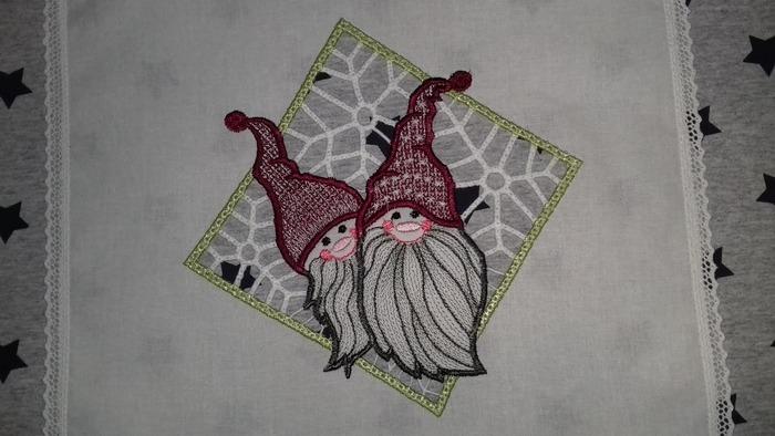 Фото. Гномики, машинная вышивка  Автор работы - olga201076