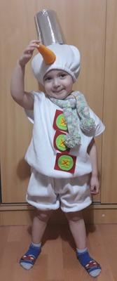 Фото. Костюм снеговика младшему внуку.  Автор работы - Лялеччка