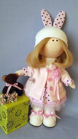 Фото. ... и куколка-Большеножка. в розовом