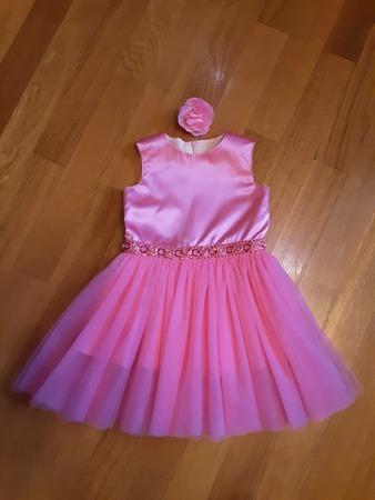 """Фото. Ей же - нарядное платье и заколка (началась """"розовая"""" пора)."""