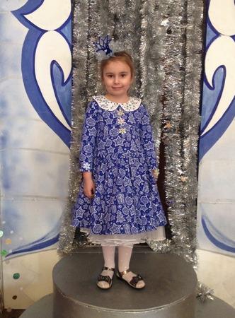 Фото. Платье Снегурочки на новогодний утренник. Автор работы - Сара Коннор