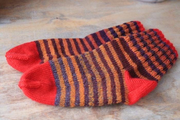 Фото. Первая вещь нового года - носочки. Автор работы - tatmalitskaya