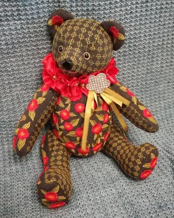Фото. Мишка с декором машиной вышивкой.  Автор работы - swet_ont