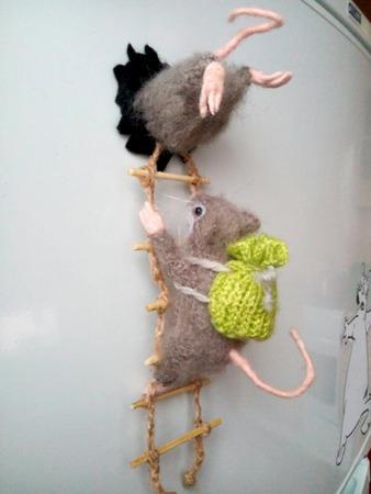 Фото. Связался магнит на холодильник. Идея - из интернета. Автор работы - Веснат