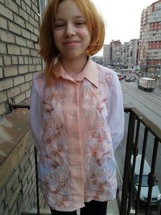 Фото. Вышитая блузка для дочки.  Автор работы - Anurochka