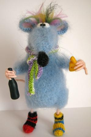 Фото. Крыс Глюк. Высота игрушки 25 см.  Автор работы - веснат
