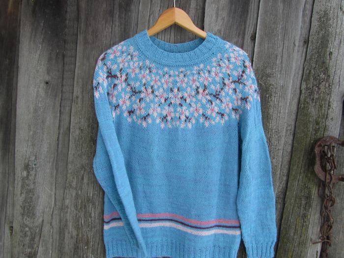 "Фото. Пуловер ""Cerry Bloom"". Автор работы - schurotschka"