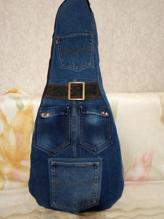 Фото. Из старых джинсов - чехол для гитары.  Автор работы - olgangel