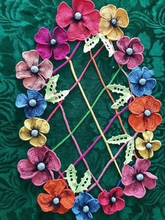 Фото. Салфеточка с цветами. Автор работы - Puschinka -2007