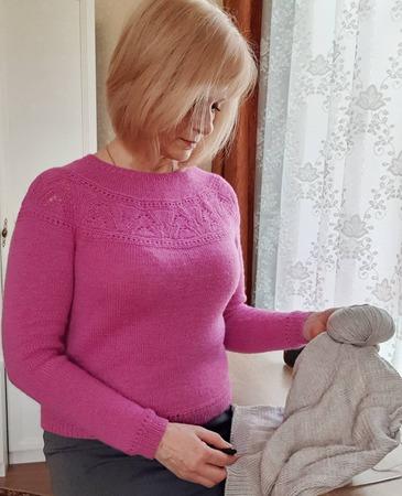 Фото. Пуловер ROSE BUSH от Ирины Аникеевой. Автор работы - _Скарлетт_