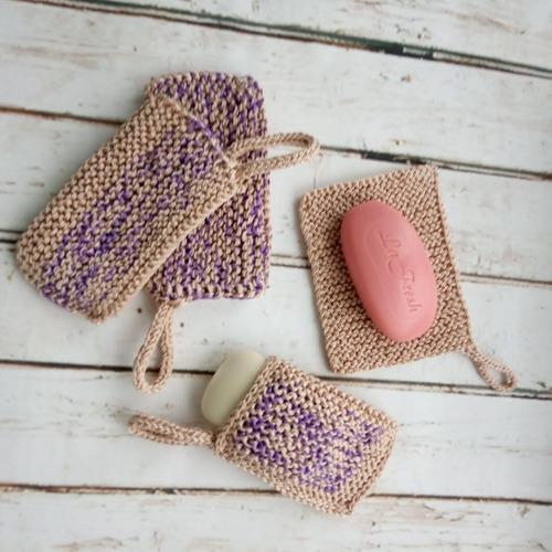 Фото. Комплект: мочалка, салфетка и мешочек для мыла. Автор работы - Дочура