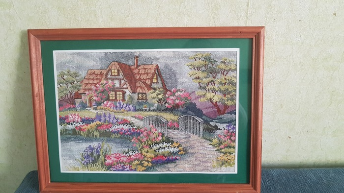 """Фото. Этот домик, утопающий в цветах, так и называется  """"Умиротворенный коттедж"""".  Автор работы - AlexN"""