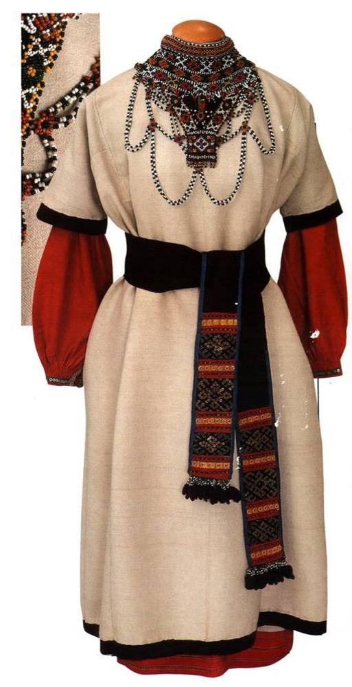 Фото. 42. Русский народный костюм.