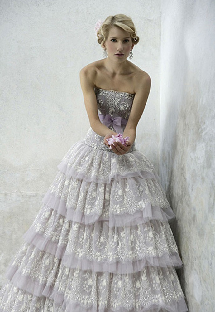 Фото. 60. Свадебное платье. Ателье Эйми (Италия).