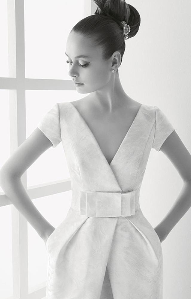 Фото. 57. Свадебное платье. Модельер Роза Клара (Италия).