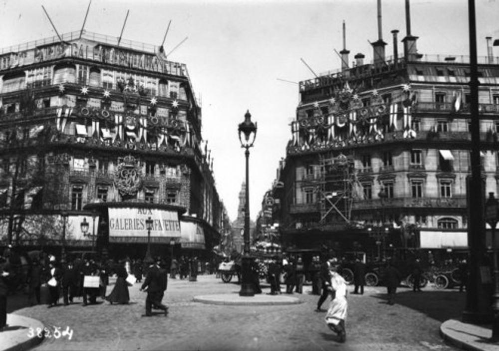 Galeries Lafayette, 1910 г.