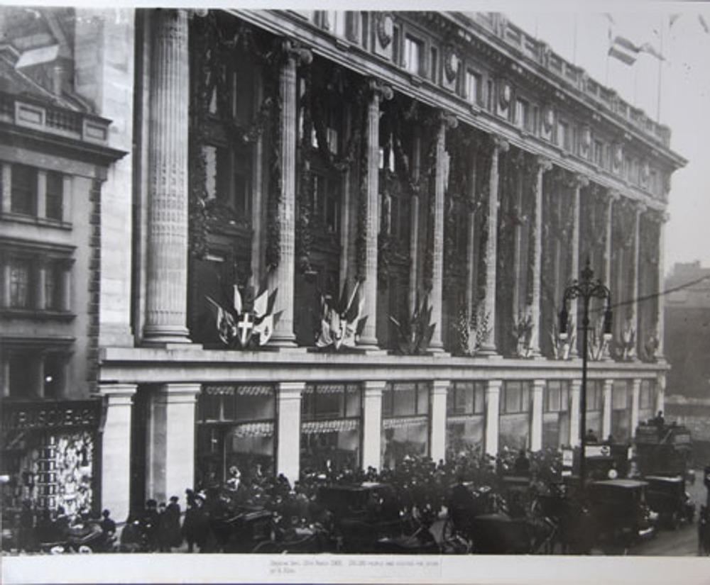 """Торжественное открытие универмага """"Selfridges"""" в Лондоне 15 марта 1909 г."""