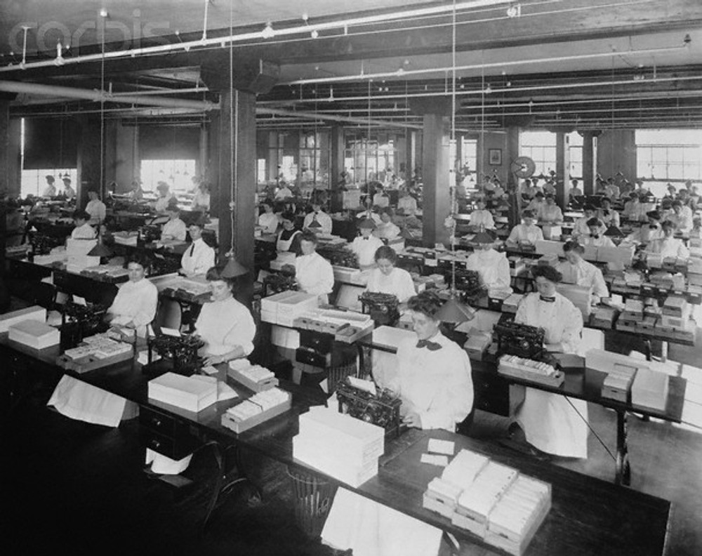 Large Office Typing Pool. 1907 г.
