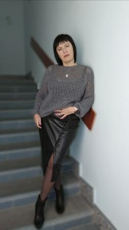 Фото. Пуловер из стоковой пряжи. Автор работы - Trudlivaya