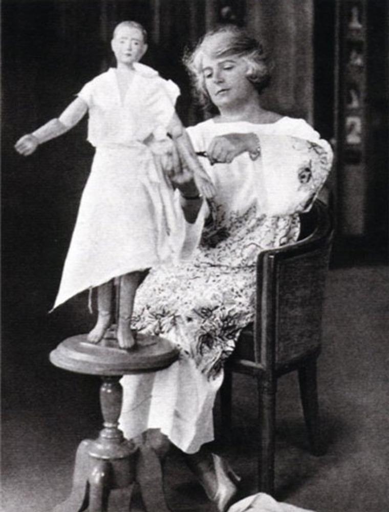 Фото. Мадлен Вионне (Madeleine Vionnet, 1876-1975) за работой, вторая половина 1930-х.