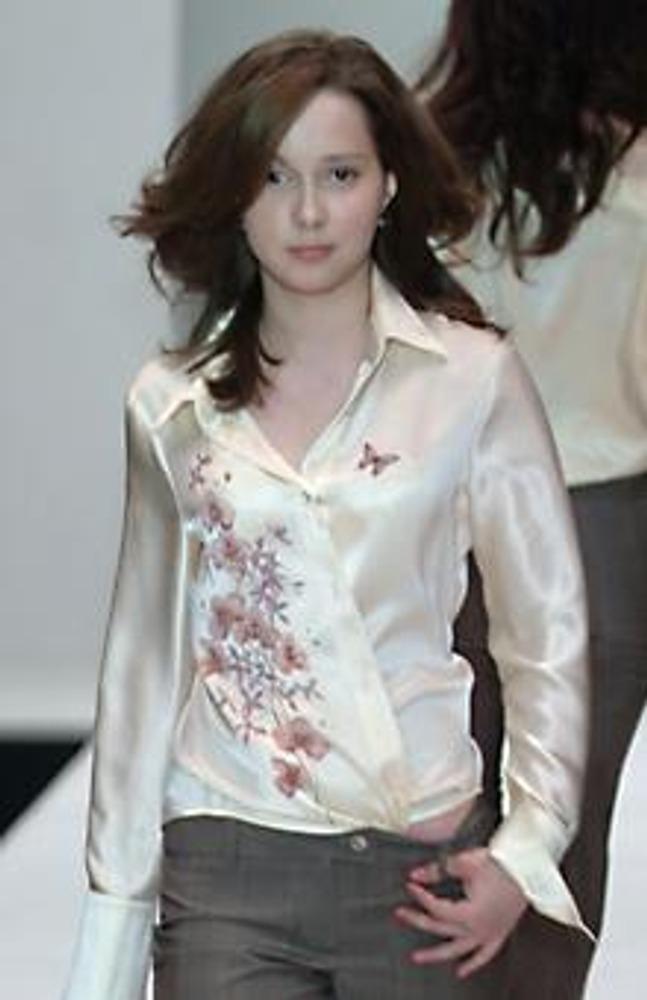 Фото. Роспись на атласе. Коллекция Елены Супрун, осень-зима 2005/2006