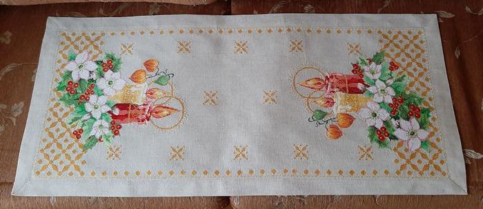 Фото. Салфеточка из журнала Mani di Fata. Машинная вышивка.  Автор работы - wersik