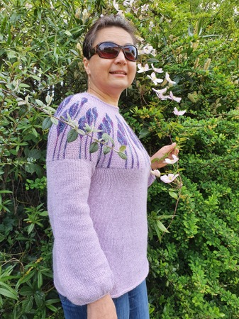 """Фото. Джемпер на круглой кокетке - """"Цветы и бутоны"""".  Автор работы - woodcock"""