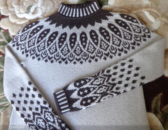 Фото. Пуловер из Пиумы с жаккардовым узором Sipila.  Автор работы - (Lovely)