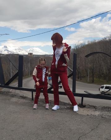 Фото. Для мамы и дочки - спортивные костюмы.  Автор работы - IvlevaAnna