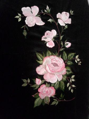 Фото. Машинная вышивка на тонком сатине. Автор работы - Tomin