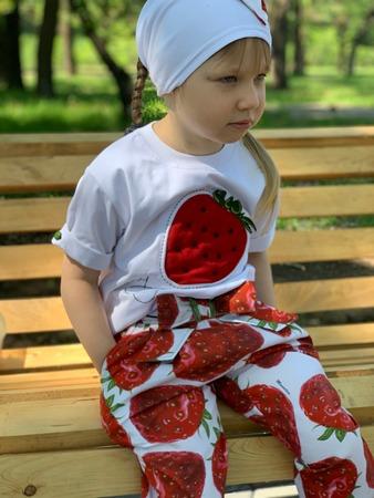 Фото. Моя клубничка. Летний комплект для дочери.  Автор работы - Surochek