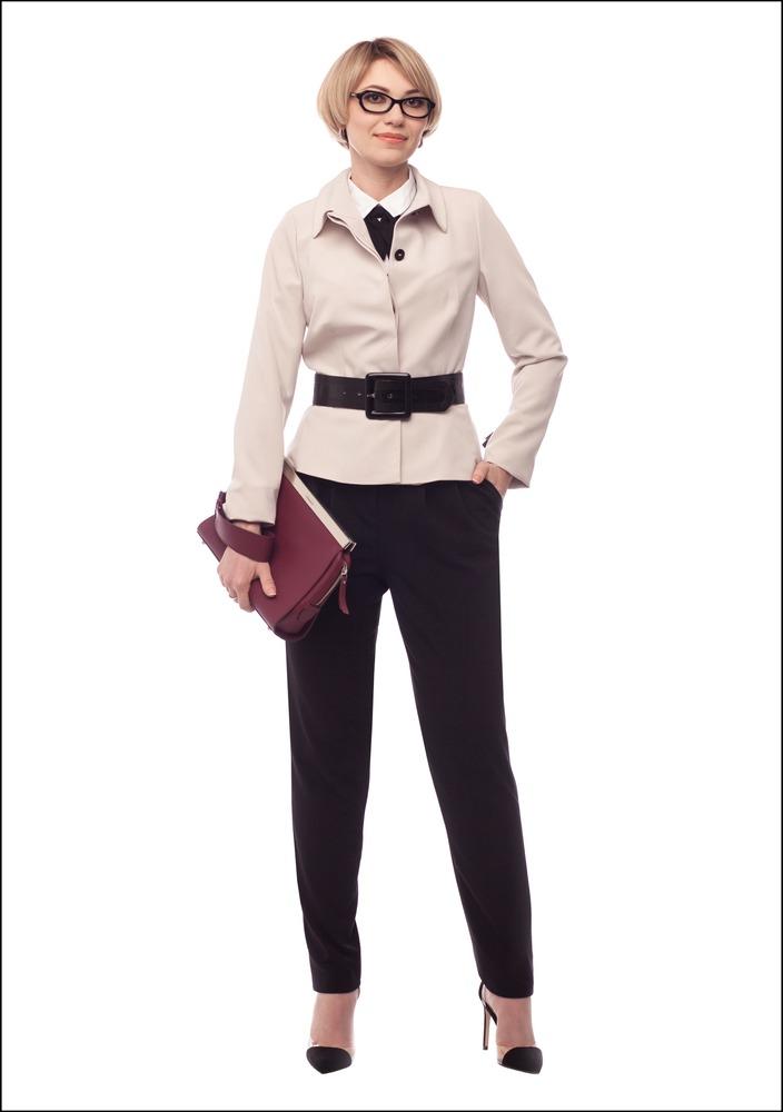 Комплект №1 . Жакет и брюки – Monton. Воротник и галстук-бант – ASOS. Туфли – Zara. Клатч – Max&Co