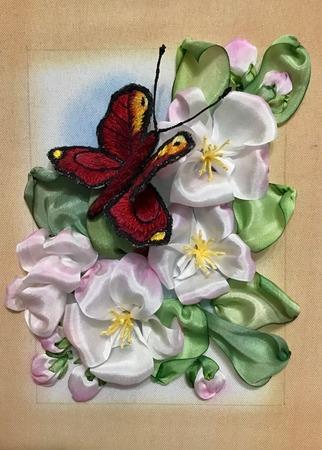 "Фото. ""Бабочка"", вышивка лентами.  Автор работы - Танаис"