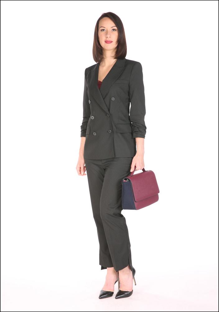 Комплект №1 . Жакет, брюки и туфли – Zara. Топ – Gerard Darel, магазин City Woman. Сумка – Benetton