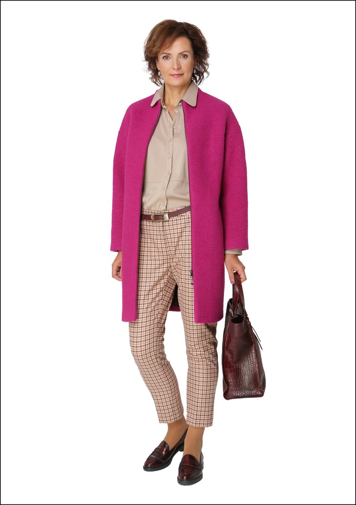 Комплект №6 . Пальто, блуза, брюки, сумка и пояс – Pietro Filipi. Лоферы – Dune London. Серьги – Taste Latvia